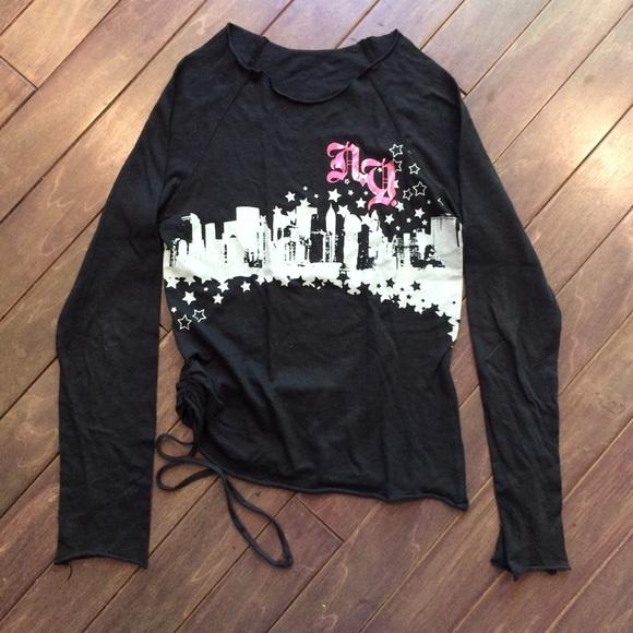 Gathered Side Urban Skyline Shirt